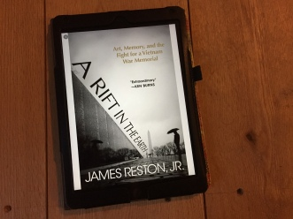 Reston, James - A Rift in the Earth (1)