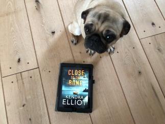 Elliot, Kendra - Close to the Bone (5)